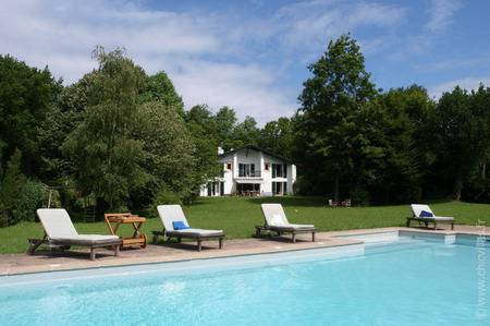 Berdeana 10 - Luxury villa rentals with a pool in Aquitaine and Basque Country | ChicVillas