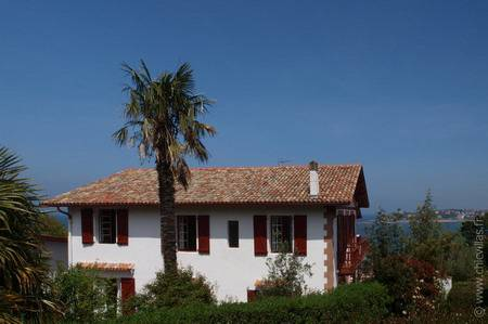 Seafront holiday villa rental with pool France, Aquitaine.