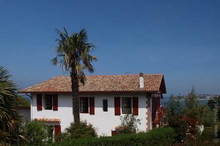 Location de villas en bord de mer en france espagne et italie for Location villa piscine pays basque