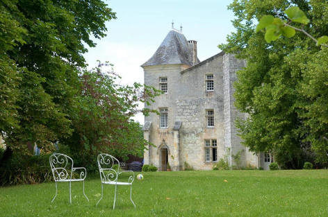 Charentes ou Dordogne - Luxury chateaux rentals in Dordogne ans South West France | ChicVillas