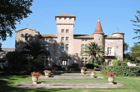 Rent a luxury castle in France, Château Esprit Sud