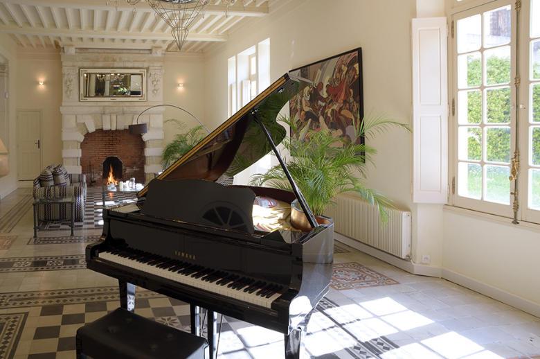 Chateau Esprit Sud - Location villa de luxe - Provence / Cote d Azur / Mediterran. - ChicVillas - 9