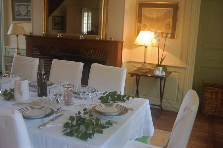 Chateau Les Deux Tours - Location villa de luxe - Paris / Ile de France - ChicVillas - 10