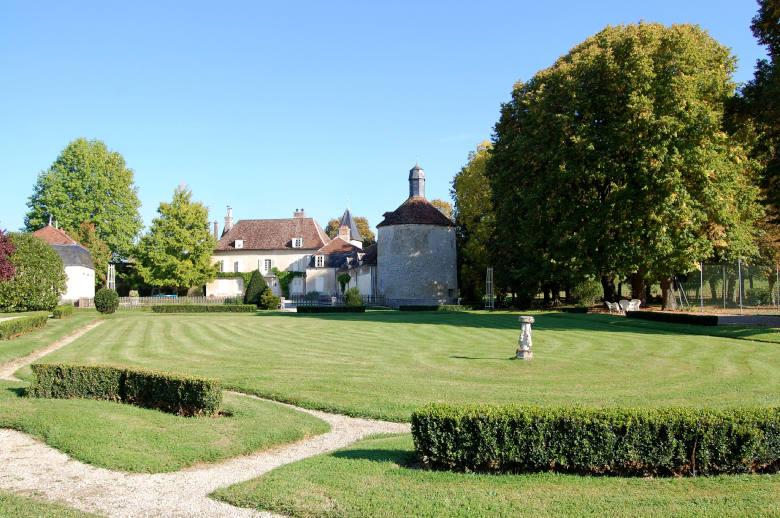 Chateau Les Deux Tours - Location villa de luxe - Paris / Ile de France - ChicVillas - 15
