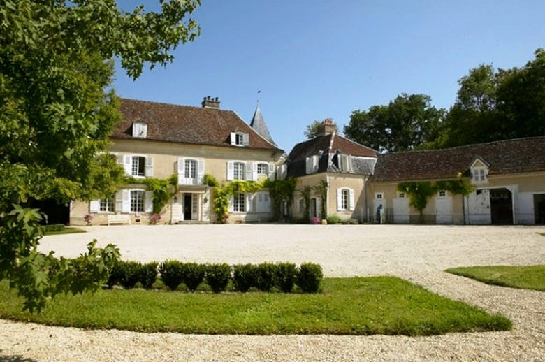 Chateau Les Deux Tours - Location villa de luxe - Paris / Ile de France - ChicVillas - 2