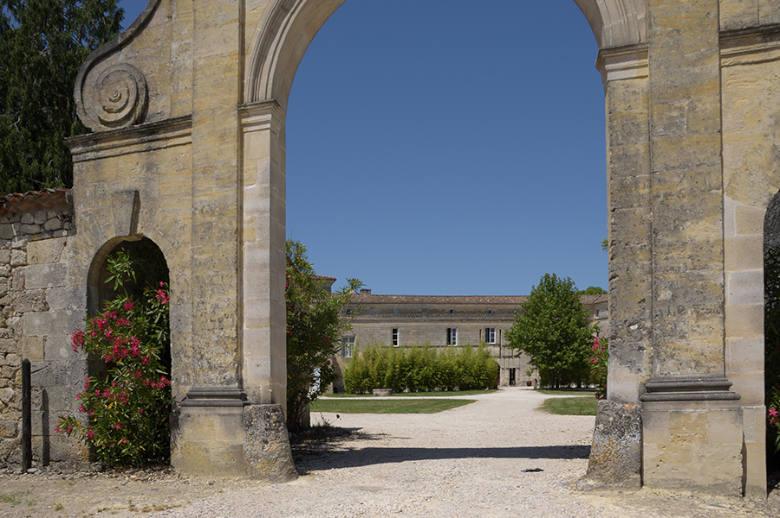 Chateau Luxury Heritage - Location villa de luxe - Aquitaine / Pays Basque - ChicVillas - 2