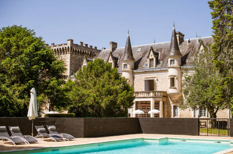 Luxury villas and chateaux for rent