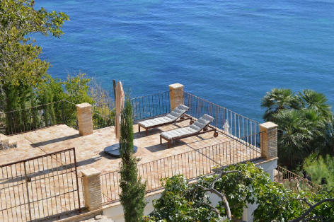 Solo Mar Costa Blanca, beachfront villa with sea view