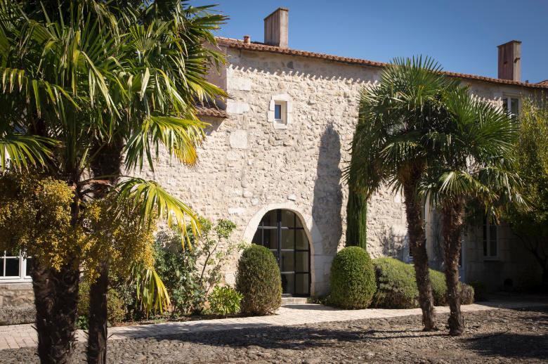 Un Chateau Secret - Luxury villa rental - Vendee and Charentes - ChicVillas - 3