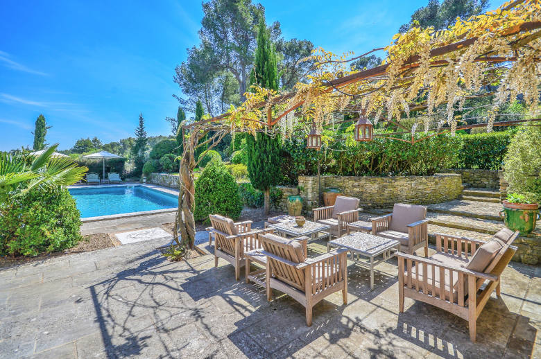Un Mas en Provence - Luxury villa rental - Provence and the Cote d Azur - ChicVillas - 2