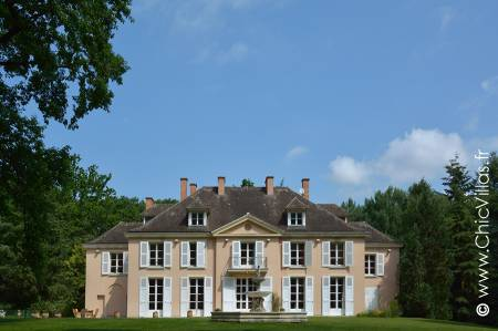 rent luxury villa paris, pool, tennis court, golf course