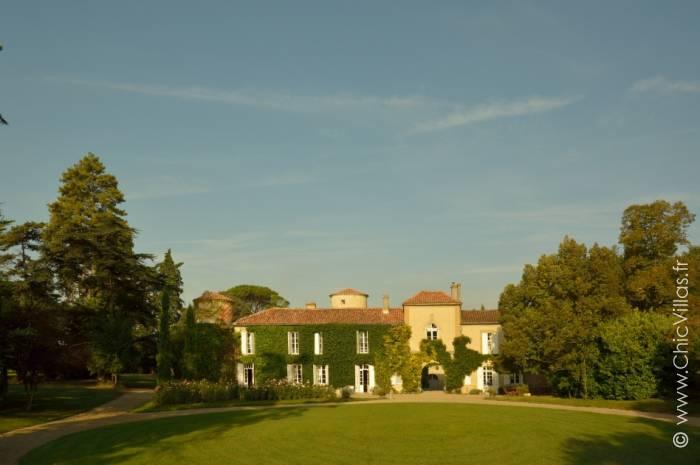 Location château de prestige du XIIe en Gascogne