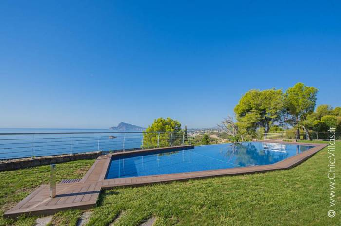Blue and Beach - Luxury villa rental - Costa Blanca (Sp.) - ChicVillas - 1