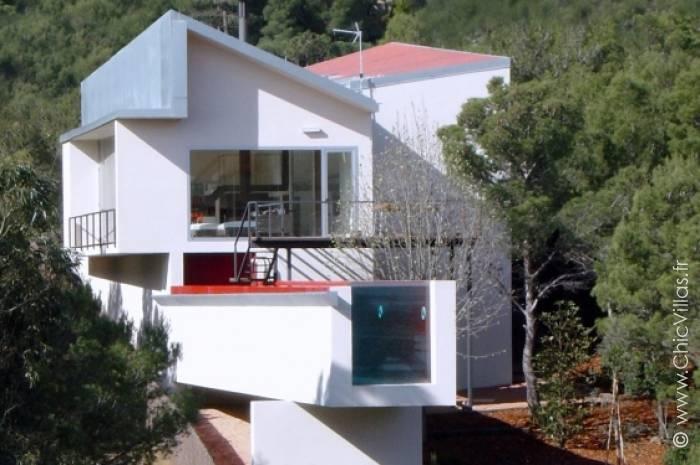 Location villa de luxe Costa Brava suspendue dans les pins