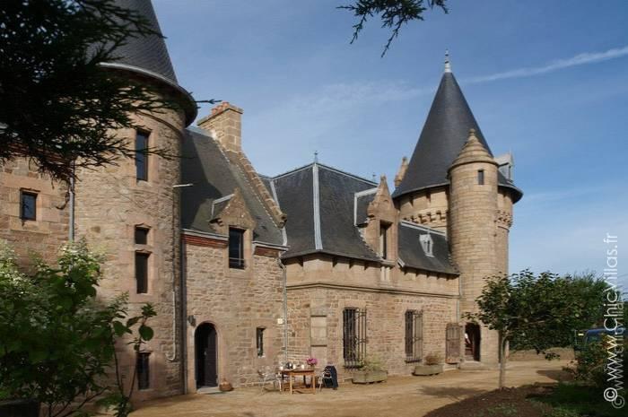 Location château de luxe en bord de mer en Bretagne