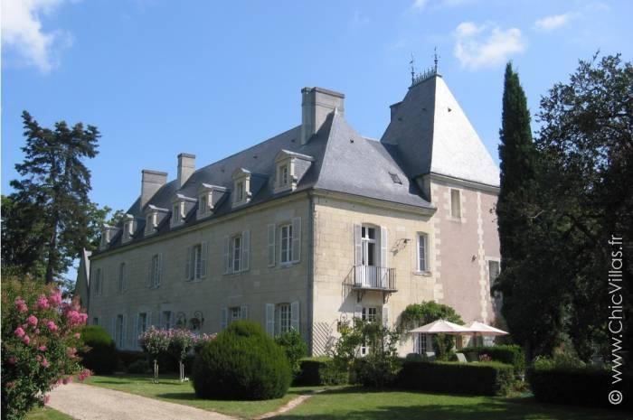 Location chateau prestige avec piscine dans la vallée de la Loire