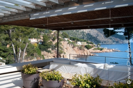 Direct Plage Costa Brava - Location de Villas de Luxe au Bord de la Mer en Catalogne (Esp.) | ChicVillas