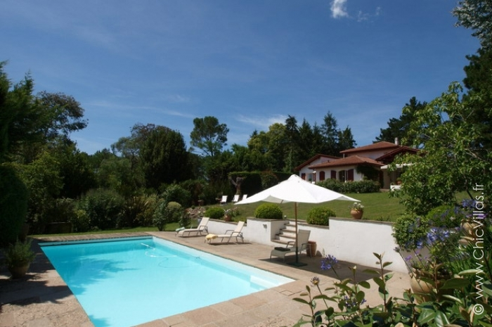En pente douce location de villas de luxe avec piscine for Location villa pays basque avec piscine