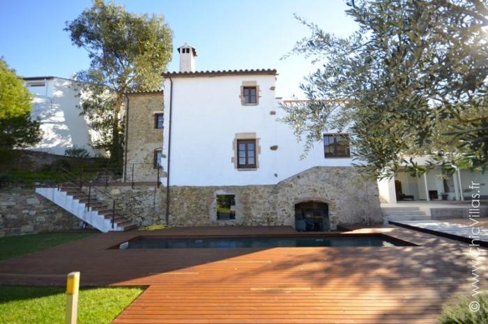 Location villa de charme Costa Brava avec piscine près de la mer