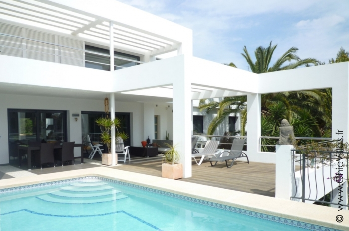 Location villa de charme contemporaine sur Costa Blanca.