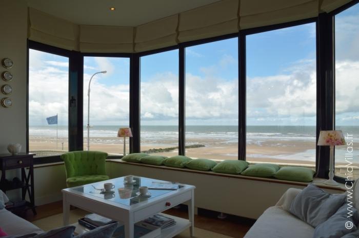 location d 39 une villa en bord de mer direct plage normandie. Black Bedroom Furniture Sets. Home Design Ideas