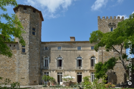 Rent luxury chateau France.