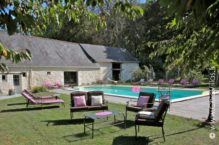 Villa rental, large capacity, heated pool, Loire Valley