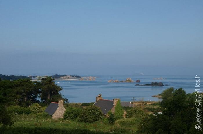 Belle villa de charme sur la côte bretonne avec vue sur mer.