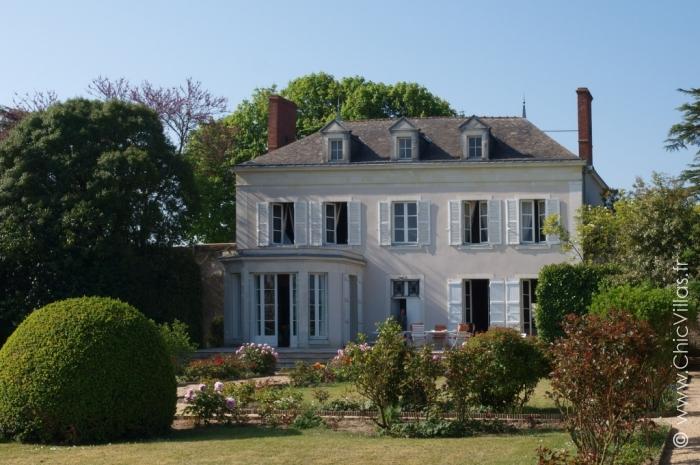 Location maison dans le val de Loire avec piscine chauffée.