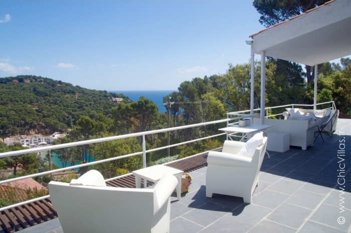 Location villa vacances calme avec vue sur Tamariu