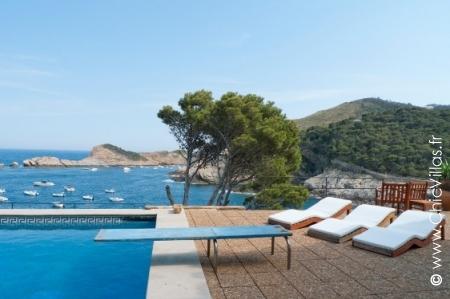 Oceanfront luxury beach house rental