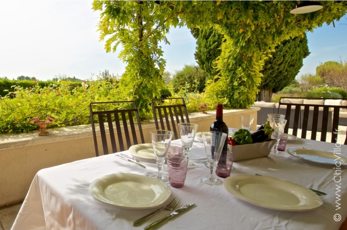 Luxury Alpilles 15 - Luxury villa rental - Provence and the Cote d Azur - ChicVillas - 14