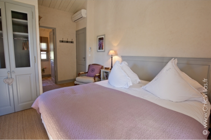 Luxury Alpilles 11 - Luxury villa rental - Provence and the Cote d Azur - ChicVillas - 19