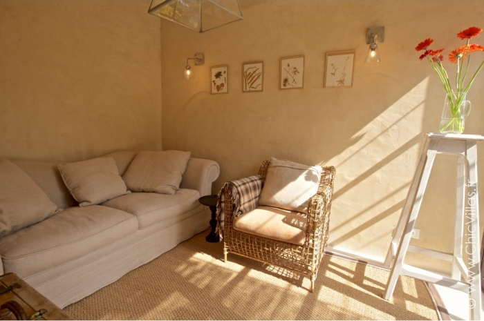 Luxury Alpilles 11 - Luxury villa rental - Provence and the Cote d Azur - ChicVillas - 27