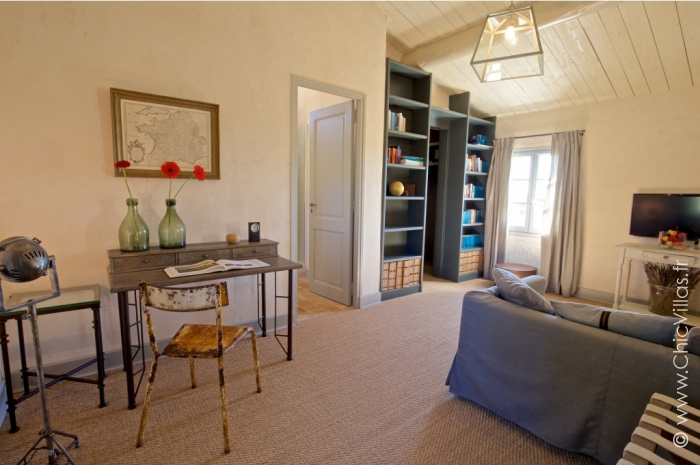 Luxury Alpilles 11 - Luxury villa rental - Provence and the Cote d Azur - ChicVillas - 34