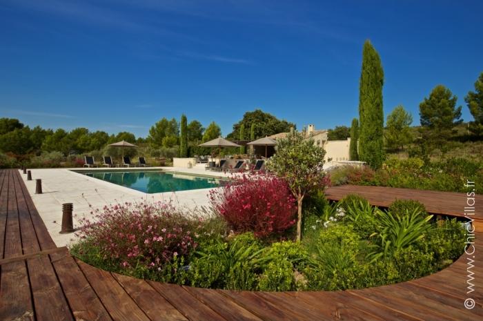 Luxury alpilles 11 location de villas de luxe d for Location villa avec piscine normandie