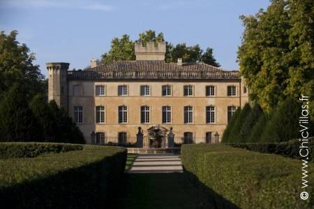 Rent a luxury chateau, Pearl of Provence