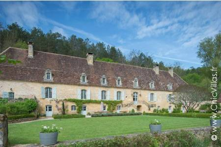 Pure Luxury Dordogne 20 - Luxury chateaux rentals in Dordogne ans South West France | ChicVillas