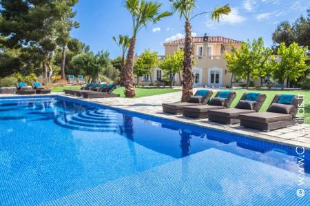 Luxury Holiday Villa With A Pool, Pure Nature Catalonia