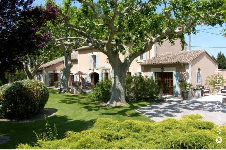 Pure Provence - Location de Villas de Luxe d'Exception en Provence / Cote d Azur | ChicVillas
