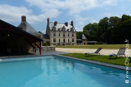 Rent luxury french castle with pool