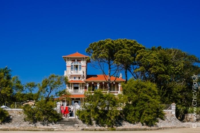 Location villa de luxe sur une rive du bassin d'Arcachon
