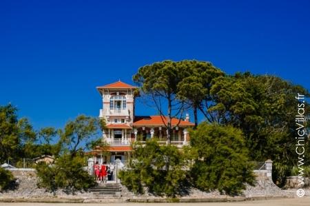 Beachfront Property Arcachon : L'Elegante du Bassin