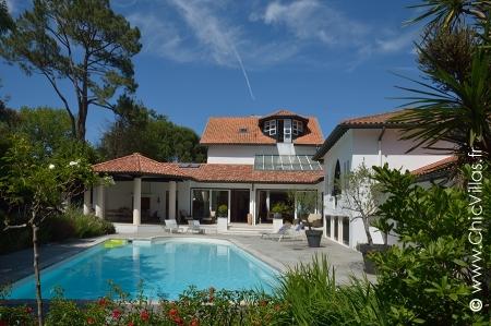 Biarritz luxury villa rental with private pool : De Luxe