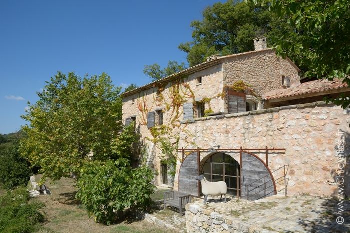 Louer villa de luxe au style provençal