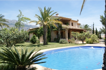 Rent villa with pool in Costa Blanca,countryside