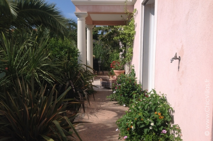 Villa Les Hauts de Frejus - Luxury villa rental - Provence and the Cote d Azur - ChicVillas - 14