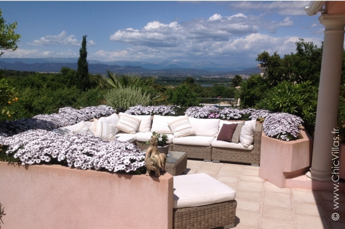 Villa Les Hauts de Frejus - Luxury villa rental - Provence and the Cote d Azur - ChicVillas - 2
