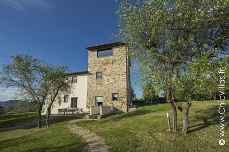 Rent villa with pool in Tuscany, Italy