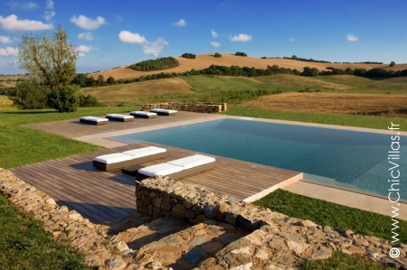Tuscany, Italy, rent villa with pools,
